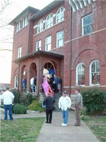 Outside historic Rhea County Courthouse. Click to enlarge.