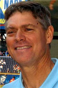 Dale Murphy had 1,901 all-time hits for Atlanta.
