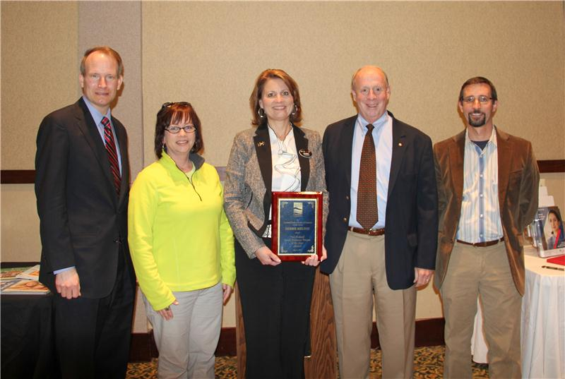 Don Ledford Athens Tn >> Debbie Ledford Melton Named Bedwell Small Businessperson Of The Year
