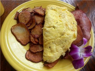 Shoo Mercy omelet with home fries