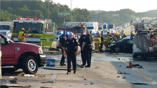 Crash with multiple vehicles and fatalities on I-75 near the Ooltewah exit