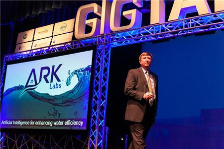 Robbie Hillis with The Ark Labs at GIGTANK Demo Day 2015