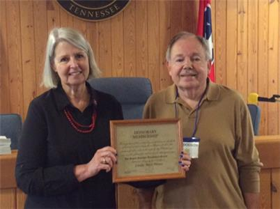 Signal Mountain Genealogical Society President Jim Dodson presents honorary membership to Linda Mines
