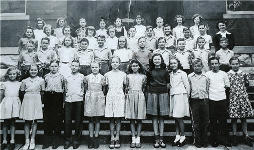 The sixth grade at Sunnyside School in 1946