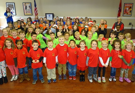"100 kindergartners from Snow Hill Elementary School helped make the holiday season ""merry and bright"" for the residents of Morning Pointe of Chattanooga – Shallowford by singing Christmas carols and passing out handmade cards."