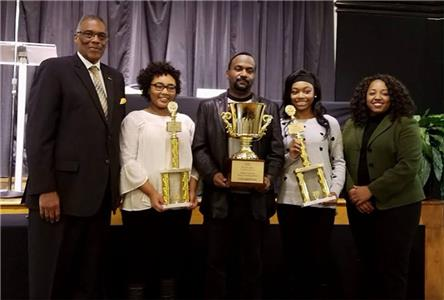 From left, Chattanooga City Councilman Erskine Oglesby, Jr., student Kennedy Gales, social studies teacher Neil Prigmore, student Keaundra Allen and moderator Vice President of Diversity and Inclusion at TVFCU Dionne Jennings