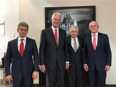 U.S. Senator Bob Corker met with Wacker executives Dr. Tobias Brandis, president of polysilicon division; Dr. Peter-Alexander Wacker, chairman of the supervisory board; and Dr. Rudolf Staudigl, president and CEO on Friday