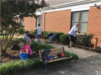 Rotary Club of Chattanooga Hamilton Place members working at Bess T. Shepherd