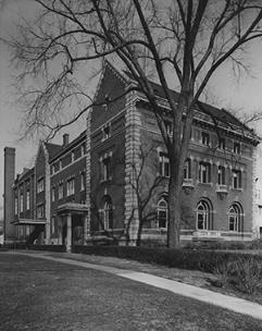Western Reserve University library in Cleveland circa World War II