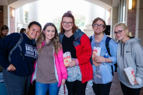 Students enjoy First-Generation Day activities on Lee's campus