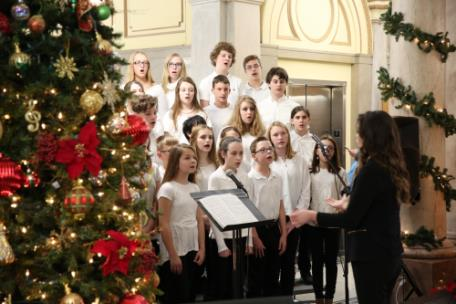 Loftis Middle School performs during Christmas at the Courthouse