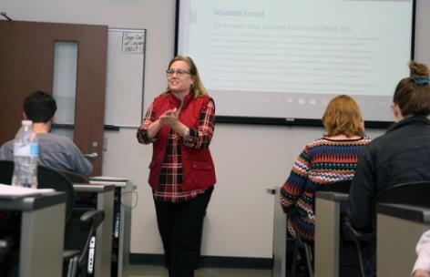 Jodie Vangrov, dean of math and sciences, walks new GNTC students through setting up their emails during orientation for the 2020 spring semester