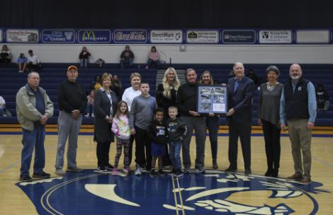 Tom Clayton, Steve Hannah, Glenda Clayton, Rita Hannah (all four are siblings of Liz), Brittany Jackson (daughter of Liz), Turner Jackson (husband of Liz), Lindsey Shipley (daughter of Liz), Hugh Walker (Hall of Fame Coach, coached Liz at CSCC), Kay Walker (Hugh's wife), Dr. Bill Seymour (president).