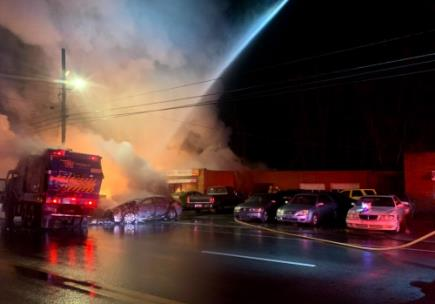 Lee Highway commercial fire